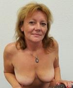 Reife blonde Frau